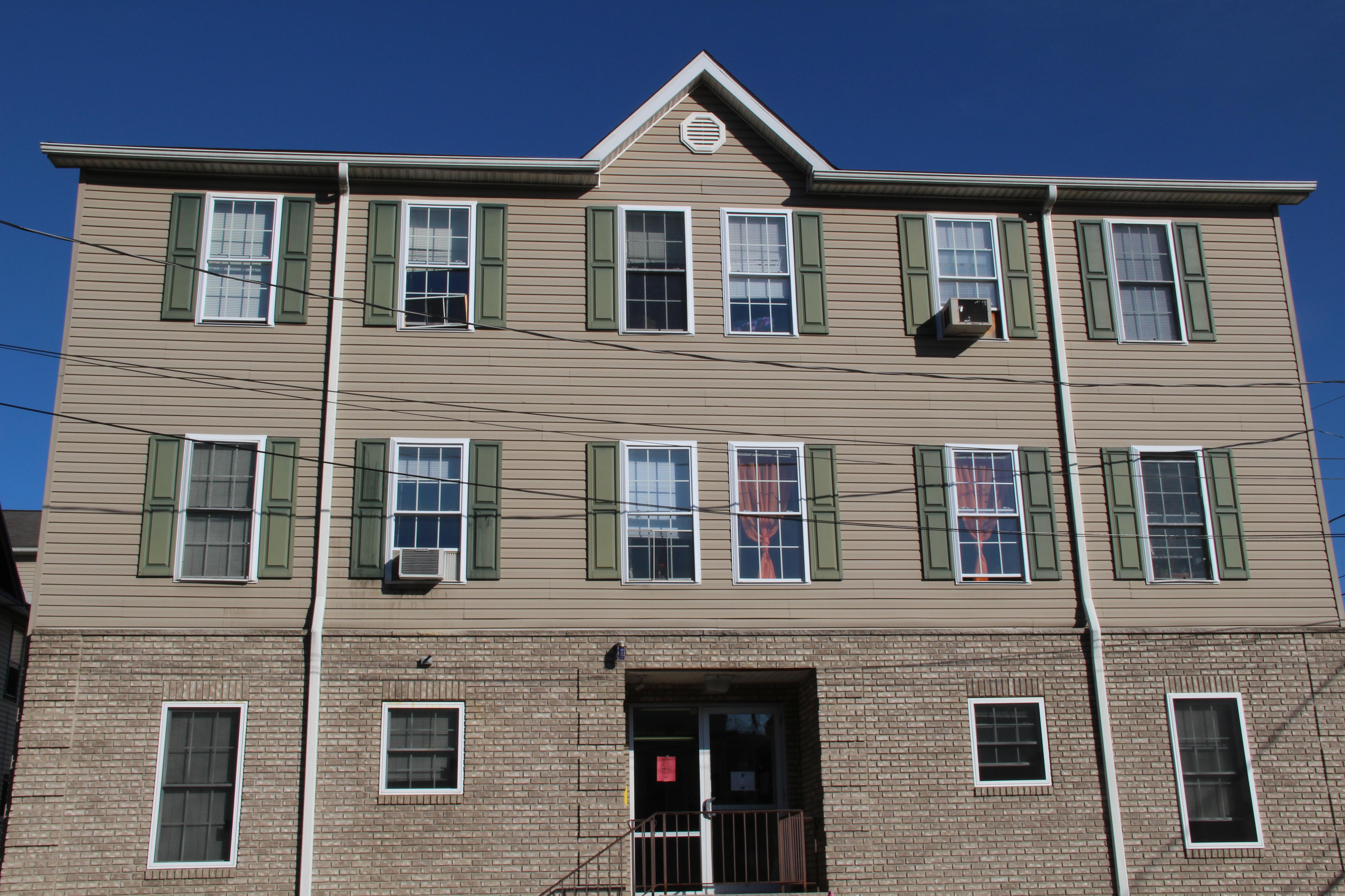 Juniorsenior Housing Residence Life Student Life